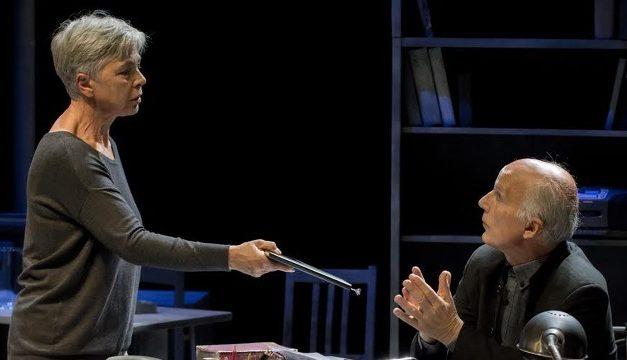 """Ottavia Piccolo in """"Enigma"""" di Stefano Massini, al Teatro Comunale Costantino Parravano di Caserta"""